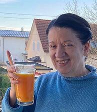 Karin mit PC.jpg