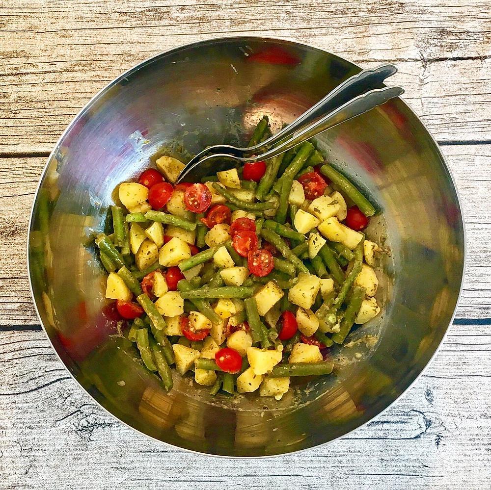 Fertiger Kartoffel-Fisolen-Salat