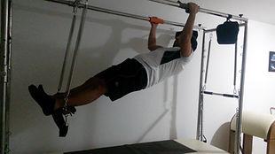 Os exercícios do Pilates criam resistência, por isso devem ser realizados com concentração, determinação e persistência. Os exercícios de força agradam homens acostumados à atividade de musculação.