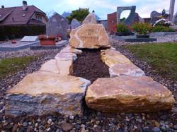 Monument en pierre de St-Léonard