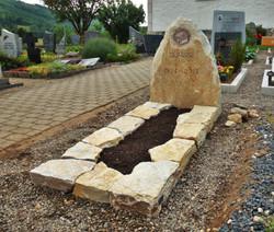 Monument funéraire en St-Léonard