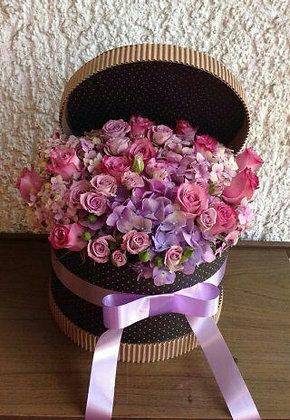 Caja Redonda Lilas y Rosas