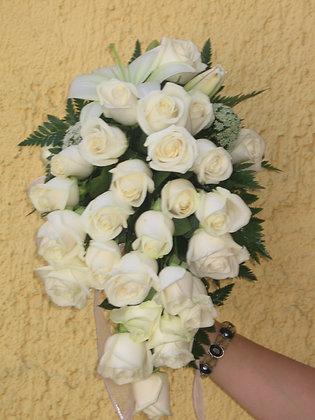 Lluvia rosas blancas