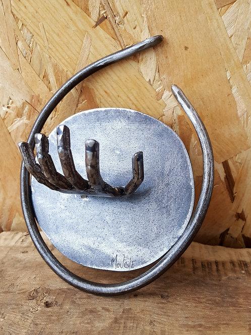 Porte clef mural en métal avec main forme arrondie