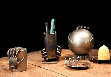 Objets de décoration métal main Mouche