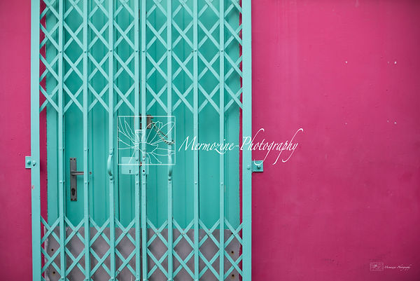 Colors of Singapore, street photography, Kampong Glam, Singapore.
