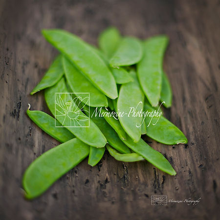 Food photography: snow peas.