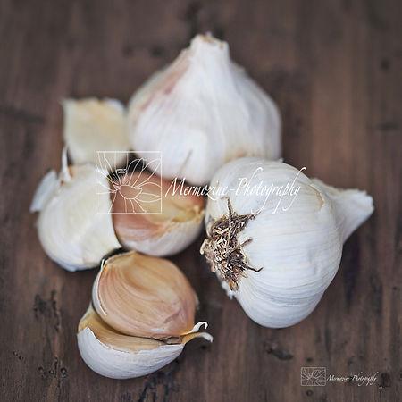 Food photography: garlic.