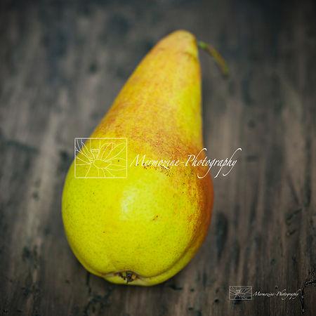 Food photogaphy: pear.