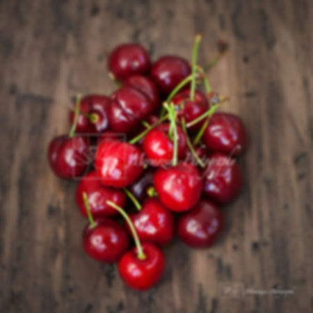Food photography: cherries.