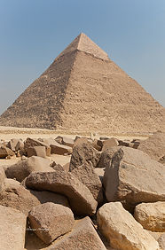 Photograph of the iconic pyramid of Giza, near the city of Cairo, Egypt.