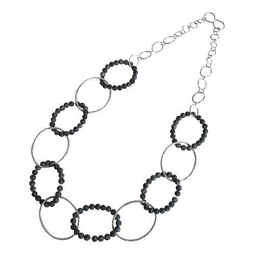 Statement Interlinked necklace