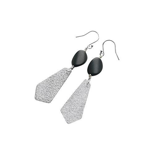 Mirror Mirror earrings - wavy Onyx