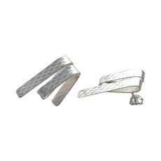 Streamer earrings.jpg
