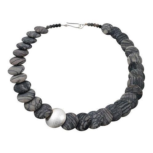 Overlapping necklace - Black Line Jasper