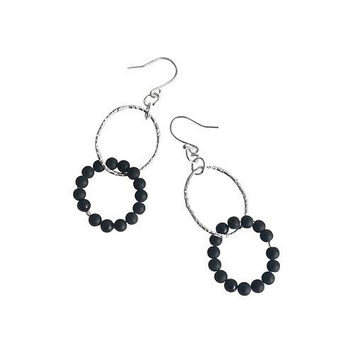 Interlinked loop hoop earrings
