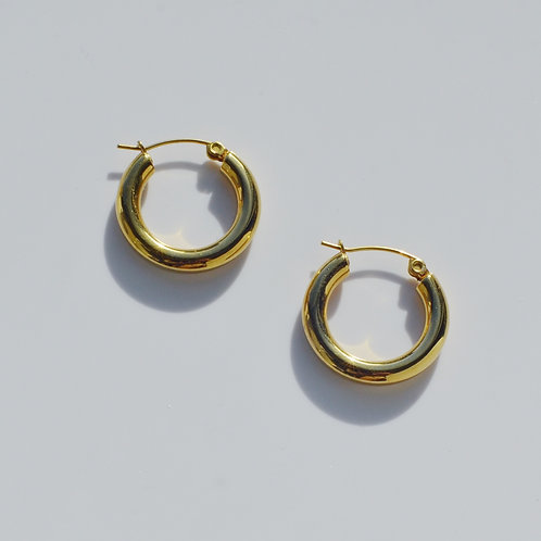 The Classic 18K Gold Plated Hoop Earrings (2 colors)