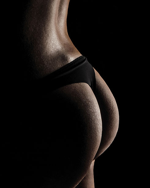 Buttock reshaping with liposculpture.jpg