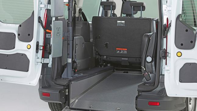 AMF-Bruns_Ford Connect LWB (4).jpg