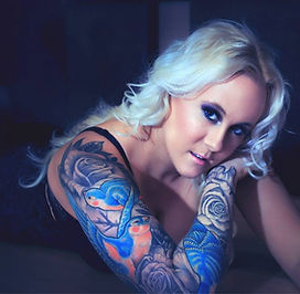 Smokey eye, tattoos, mode