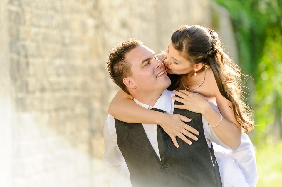 Hochzeitsfotograf_Roger_Rachel_2015_Pfalz-Forst-Deidesheim-fröhlich-romantisch_Hochzeitsfotos_natuerlich_froehlich_ungestellt_15.jpg