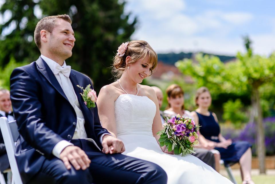 Hochzeitsfotograf Roger Rachel 2015 Pfalz-Neustadt-Gimmeldingen-Netts Restaurant und Landhaus-freie Trauung-romantisch Hochzeitsfotos natuerlich froehlich ungestellt 34.jpg