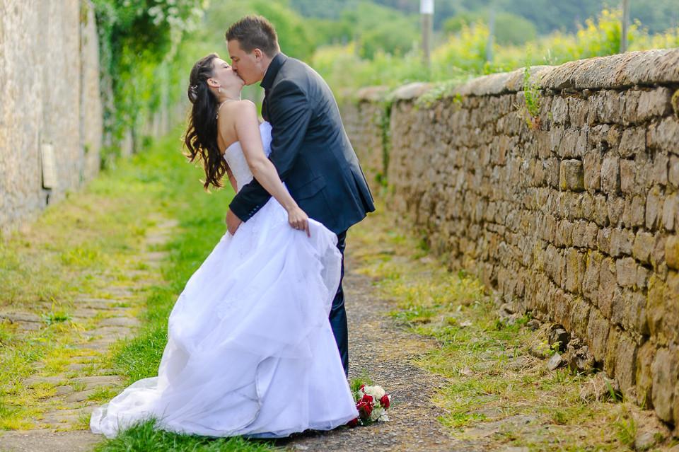 Hochzeitsfotograf_Roger_Rachel_2015_Pfalz-Forst-Deidesheim-fröhlich-romantisch_Hochzeitsfotos_natuerlich_froehlich_ungestellt_21.jpg