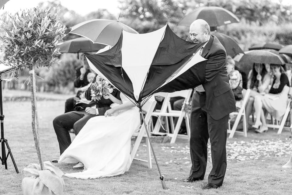 Hochzeitsfotograf Roger Rachel 2015 Pfalz-Neustadt-Gimmeldingen-Netts Restaurant und Landhaus-freie Trauung-romantisch Hochzeitsfotos natuerlich froehlich ungestellt 45.jpg