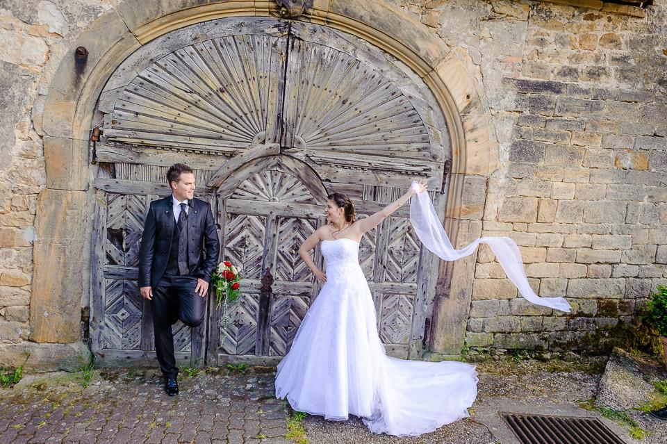 Hochzeitsfotograf_Roger_Rachel_2015_Pfalz-Forst-Deidesheim-fröhlich-romantisch_Hochzeitsfotos_natuerlich_froehlich_ungestellt_17.jpg