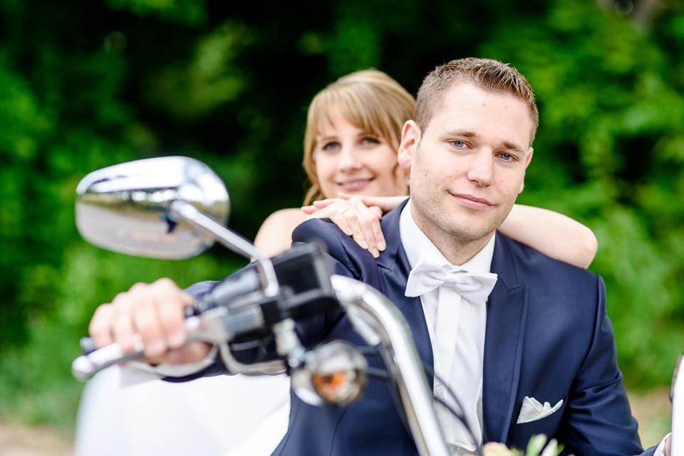 Hochzeitsfotograf Roger Rachel 2015 Pfalz-Neustadt-Gimmeldingen-Netts Restaurant und Landhaus-freie Trauung-romantisch Hochzeitsfotos natuerlich froehlich ungestellt 17.jpg