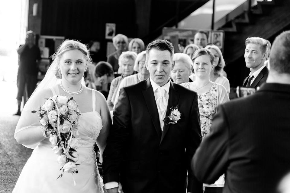 Hochzeitsfotograf_Roger_Rachel_2015_Schwetzingen-Schlosspark-fröhlich-ungestellt_Hochzeitsfotos_natuerlich_froehlich_ungestellt_22.jpg