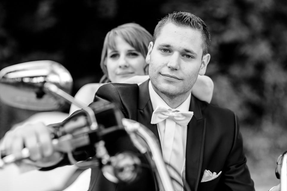 Hochzeitsfotograf Roger Rachel 2015 Pfalz-Neustadt-Gimmeldingen-Netts Restaurant und Landhaus-freie Trauung-romantisch Hochzeitsfotos natuerlich froehlich ungestellt 04.jpg