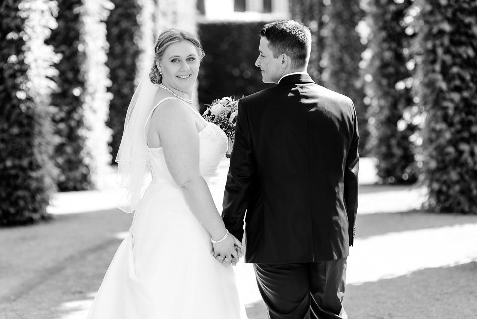 Hochzeitsfotograf_Roger_Rachel_2015_Schwetzingen-Schlosspark-fröhlich-ungestellt_Hochzeitsfotos_natuerlich_froehlich_ungestellt_19.jpg