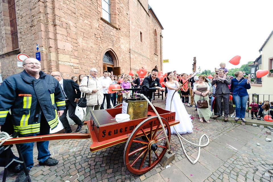 Hochzeitsfotograf_Roger_Rachel_2015_Pfalz-Forst-Deidesheim-fröhlich-romantisch_Hochzeitsfotos_natuerlich_froehlich_ungestellt_38.jpg