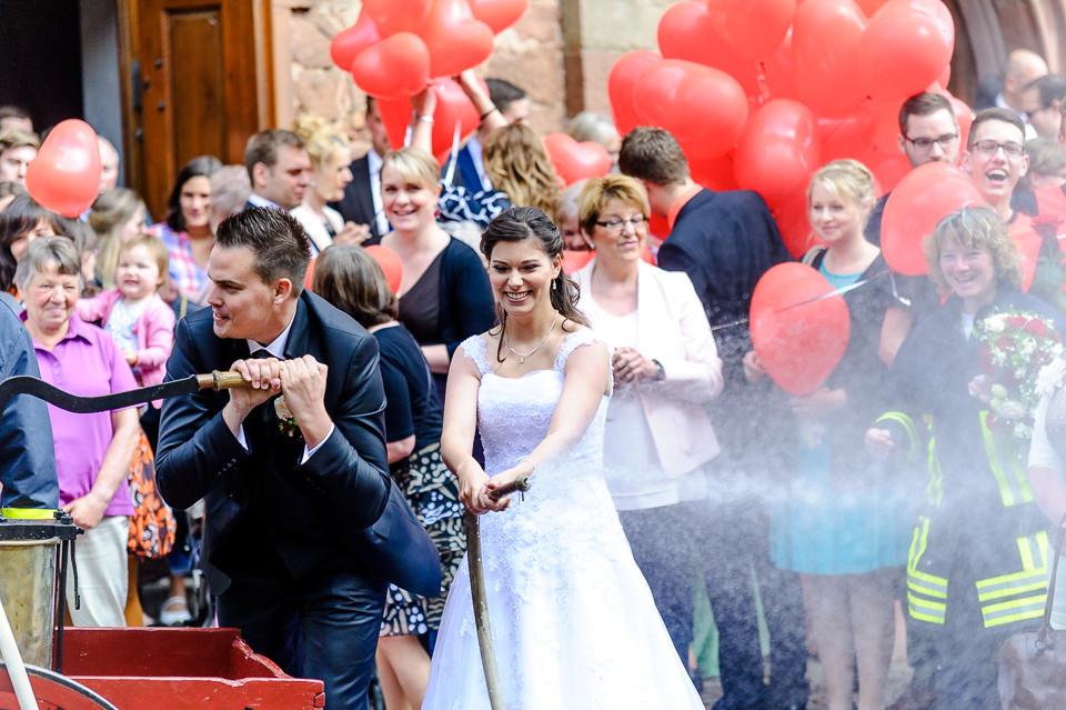 Hochzeitsfotograf_Roger_Rachel_2015_Pfalz-Forst-Deidesheim-fröhlich-romantisch_Hochzeitsfotos_natuerlich_froehlich_ungestellt_39.jpg