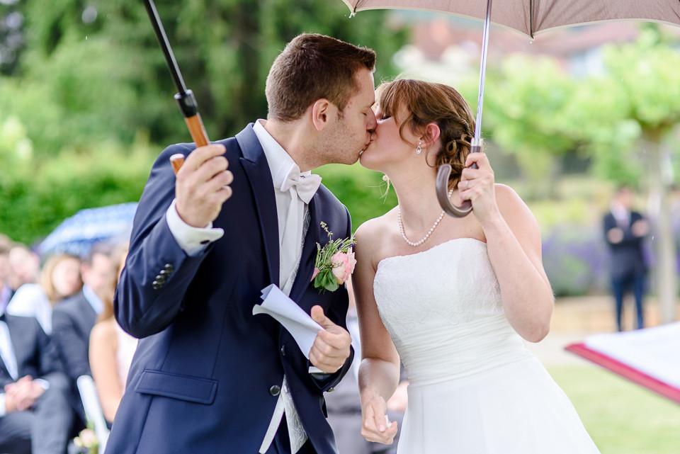 Hochzeitsfotograf Roger Rachel 2015 Pfalz-Neustadt-Gimmeldingen-Netts Restaurant und Landhaus-freie Trauung-romantisch Hochzeitsfotos natuerlich froehlich ungestellt 41.jpg