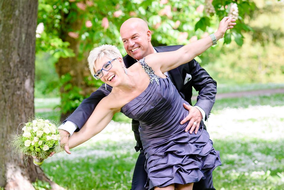 Roger Rachel Fotografie 2015-Hochzeitsfotograf Pfalz Dirmstein Schlosspark-011.j