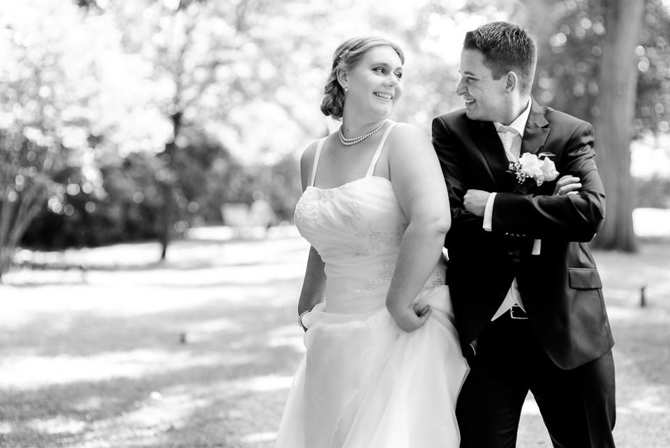 Hochzeitsfotograf_Roger_Rachel_2015_Schwetzingen-Schlosspark-fröhlich-ungestellt_Hochzeitsfotos_natuerlich_froehlich_ungestellt_11.jpg