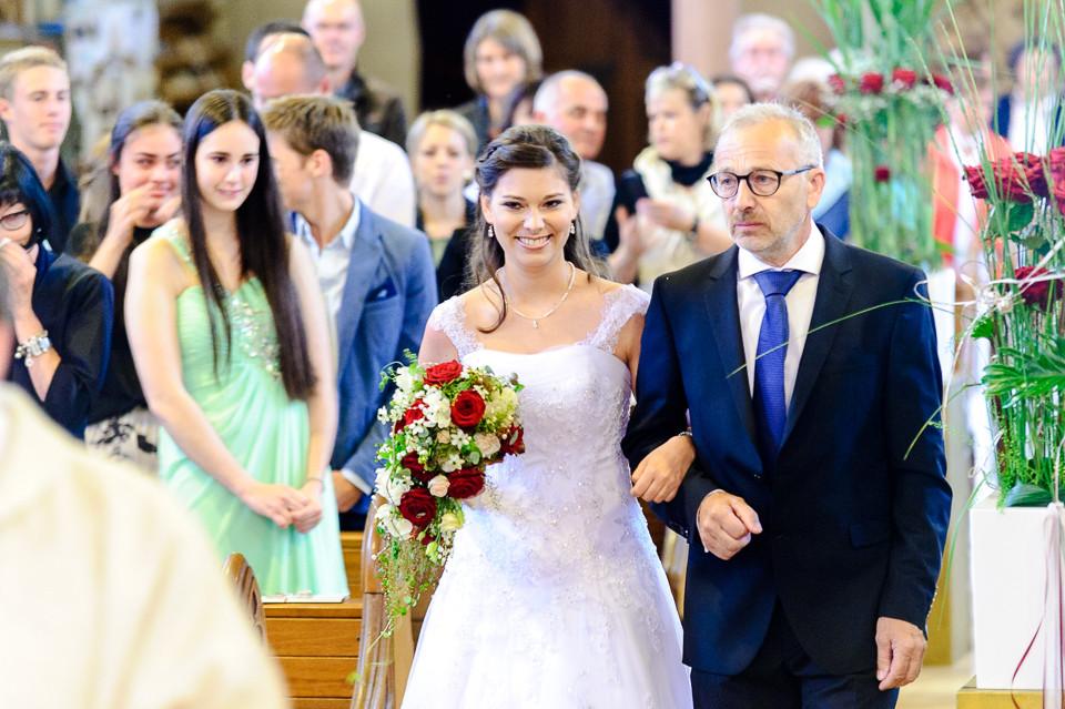 Hochzeitsfotograf_Roger_Rachel_2015_Pfalz-Forst-Deidesheim-fröhlich-romantisch_Hochzeitsfotos_natuerlich_froehlich_ungestellt_27.jpg