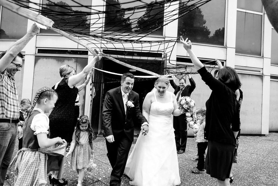 Hochzeitsfotograf_Roger_Rachel_2015_Schwetzingen-Schlosspark-fröhlich-ungestellt_Hochzeitsfotos_natuerlich_froehlich_ungestellt_36.jpg