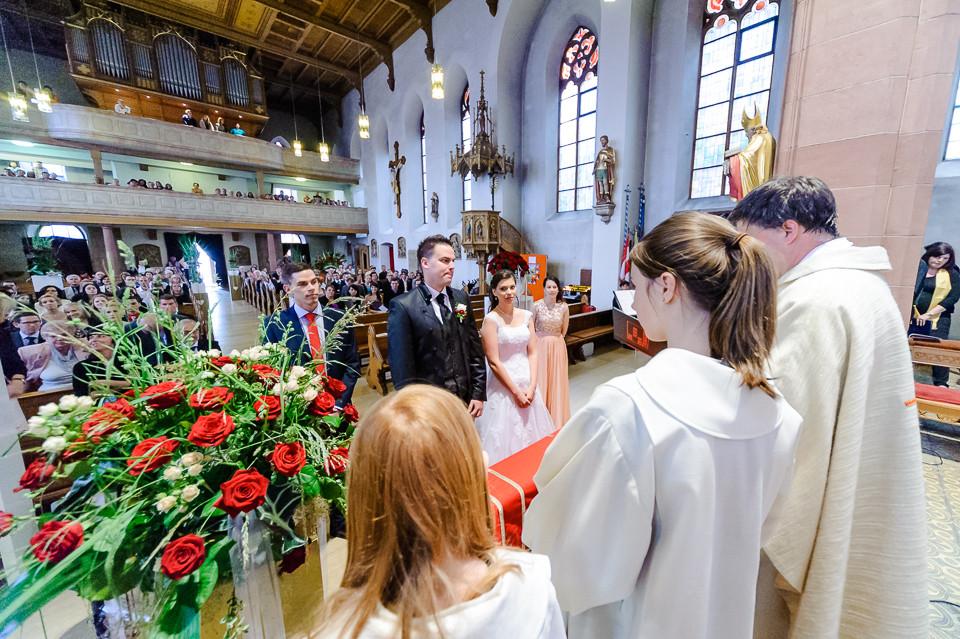 Hochzeitsfotograf_Roger_Rachel_2015_Pfalz-Forst-Deidesheim-fröhlich-romantisch_Hochzeitsfotos_natuerlich_froehlich_ungestellt_33.jpg