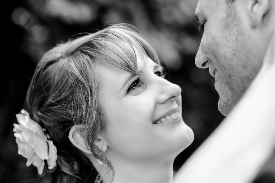 Hochzeitsfotograf Roger Rachel 2015 Pfalz-Neustadt-Gimmeldingen-Netts Restaurant und Landhaus-freie Trauung-romantisch Hochzeitsfotos natuerlich froehlich ungestellt 14.jpg