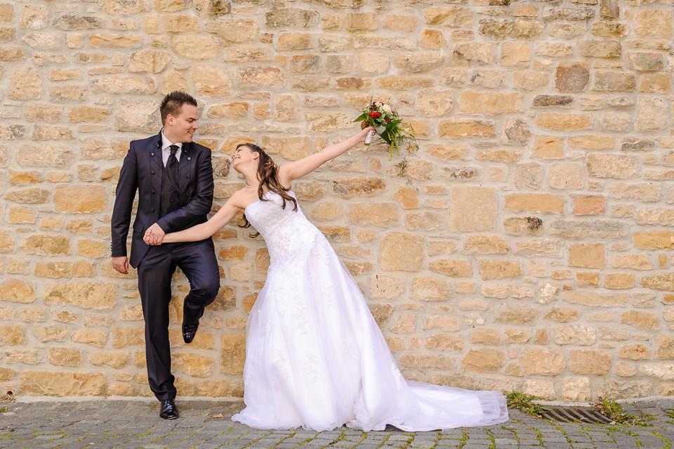 Hochzeitsfotograf_Roger_Rachel_2015_Pfalz-Forst-Deidesheim-fröhlich-romantisch_Hochzeitsfotos_natuerlich_froehlich_ungestellt_06.jpg