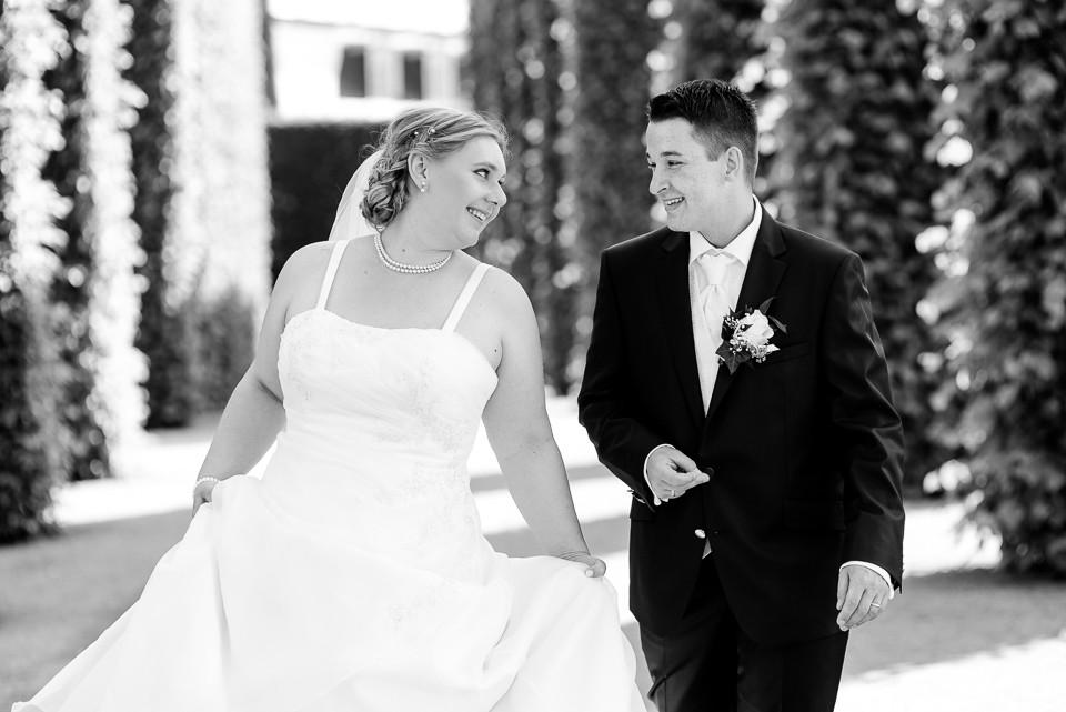 Hochzeitsfotograf_Roger_Rachel_2015_Schwetzingen-Schlosspark-fröhlich-ungestellt_Hochzeitsfotos_natuerlich_froehlich_ungestellt_09.jpg
