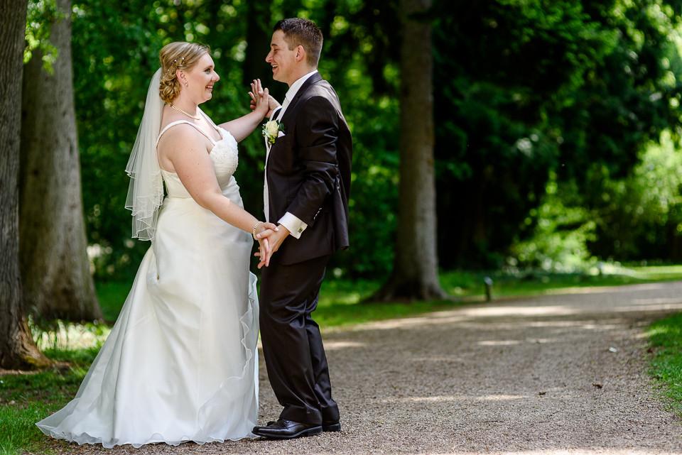 Hochzeitsfotograf_Roger_Rachel_2015_Schwetzingen-Schlosspark-fröhlich-ungestellt_Hochzeitsfotos_natuerlich_froehlich_ungestellt_04.jpg