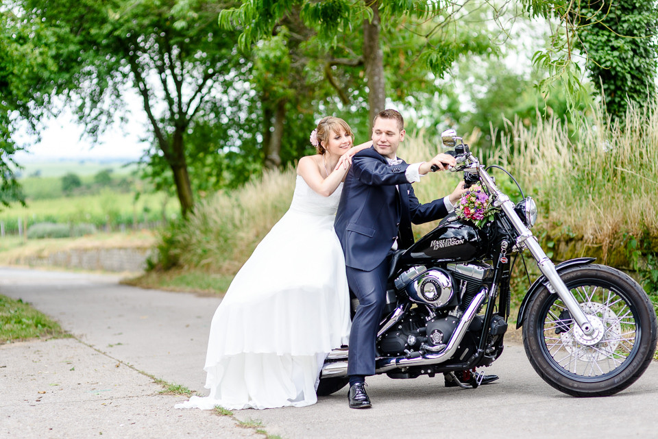Hochzeitsfotograf Roger Rachel 2015 Pfalz-Neustadt-Gimmeldingen-Netts Restaurant und Landhaus-freie Trauung-romantisch Hochzeitsfotos natuerlich froehlich ungestellt 16.jpg