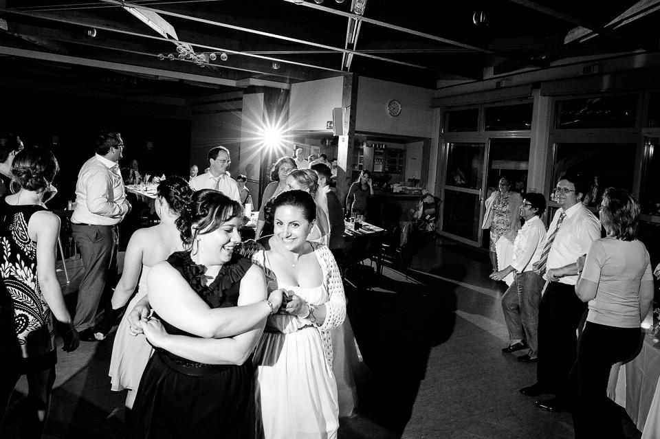 Hochzeitsfotograf_Roger_Rachel_2015_Schwetzingen-Schlosspark-fröhlich-ungestellt_Hochzeitsfotos_natuerlich_froehlich_ungestellt_51.jpg
