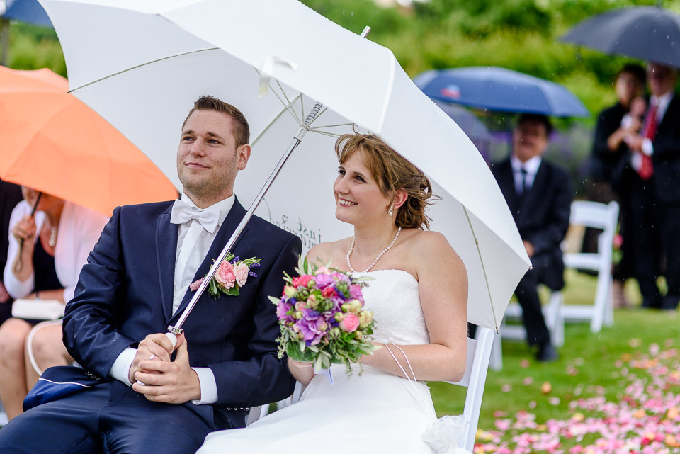 Hochzeitsfotograf Roger Rachel 2015 Pfalz-Neustadt-Gimmeldingen-Netts Restaurant und Landhaus-freie Trauung-romantisch Hochzeitsfotos natuerlich froehlich ungestellt 46.jpg