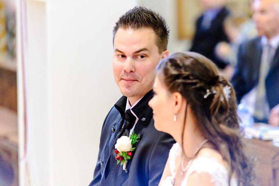 Hochzeitsfotograf_Roger_Rachel_2015_Pfalz-Forst-Deidesheim-fröhlich-romantisch_Hochzeitsfotos_natuerlich_froehlich_ungestellt_31.jpg