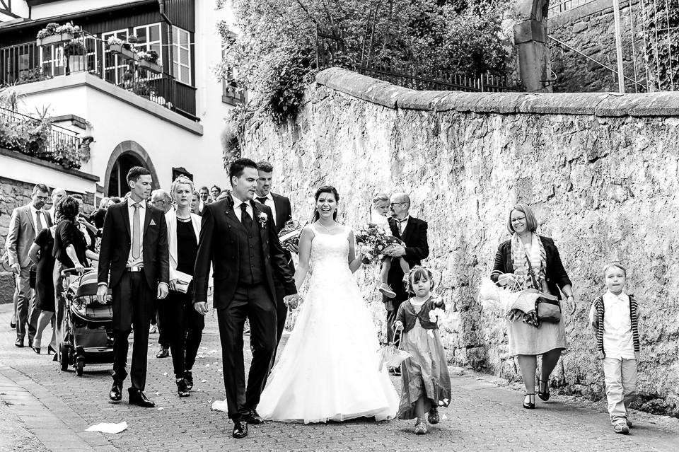 Hochzeitsfotograf_Roger_Rachel_2015_Pfalz-Forst-Deidesheim-fröhlich-romantisch_Hochzeitsfotos_natuerlich_froehlich_ungestellt_41.jpg